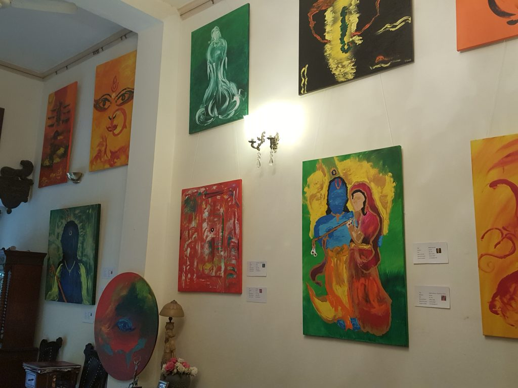 mona-sikka-abstract-art-with-fingers-Gurgaon-thewoomag-top-magazine-for-modern-women