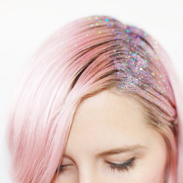 Glitter-Roots-Hair-Trend-thewoomag-top-magazine-for-women