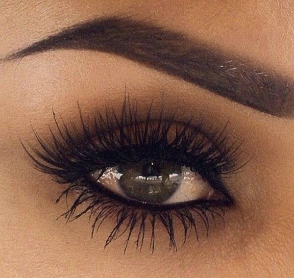 10-biggest-fads-of-the-season-thwoomag-fake-eye-lashes
